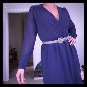 BCBGeneration violet v-neck dress
